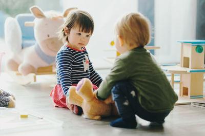 como hacer que nuestro bebe sea mas sociable - superfriends