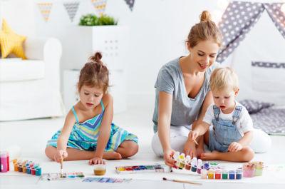 10 cosas para hacer en casa con niños pequeños - superfriends